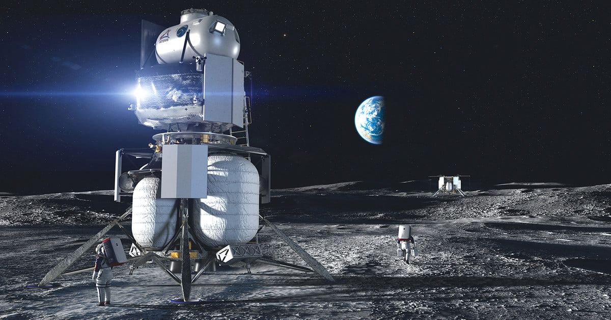 NASA Awards US Companies Contracts for Human Moon Landing