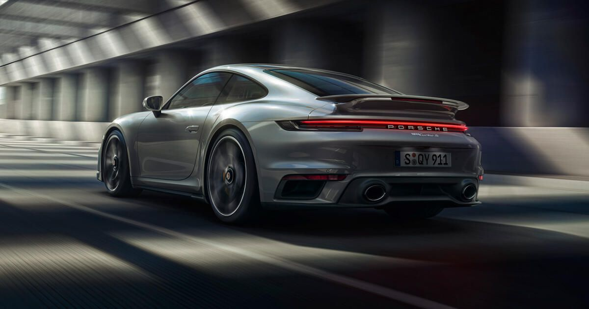 2021 Porsche 911 Turbo S scoots with the best of 'em
