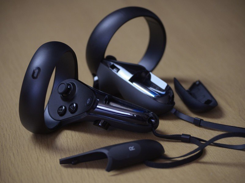 Best Replacement Batteries for Oculus Quest Controllers in 2020