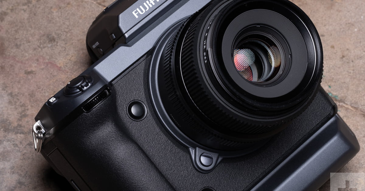 Fujifilm's GFX100 Offers 400-MP Images After Software Update