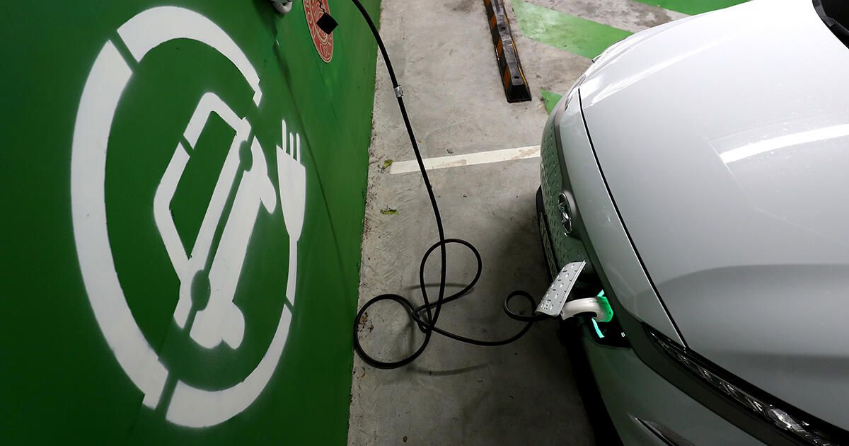 Electric cars will double their market share in 2021, forecast says