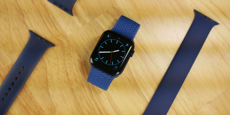 Apple considers jumping into rugged wearables with new Watch model