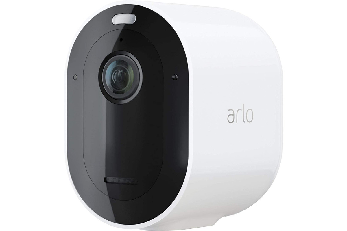 Arlo Pro 4 review: Wireless, 2K resolution, and a built-in spotlight
