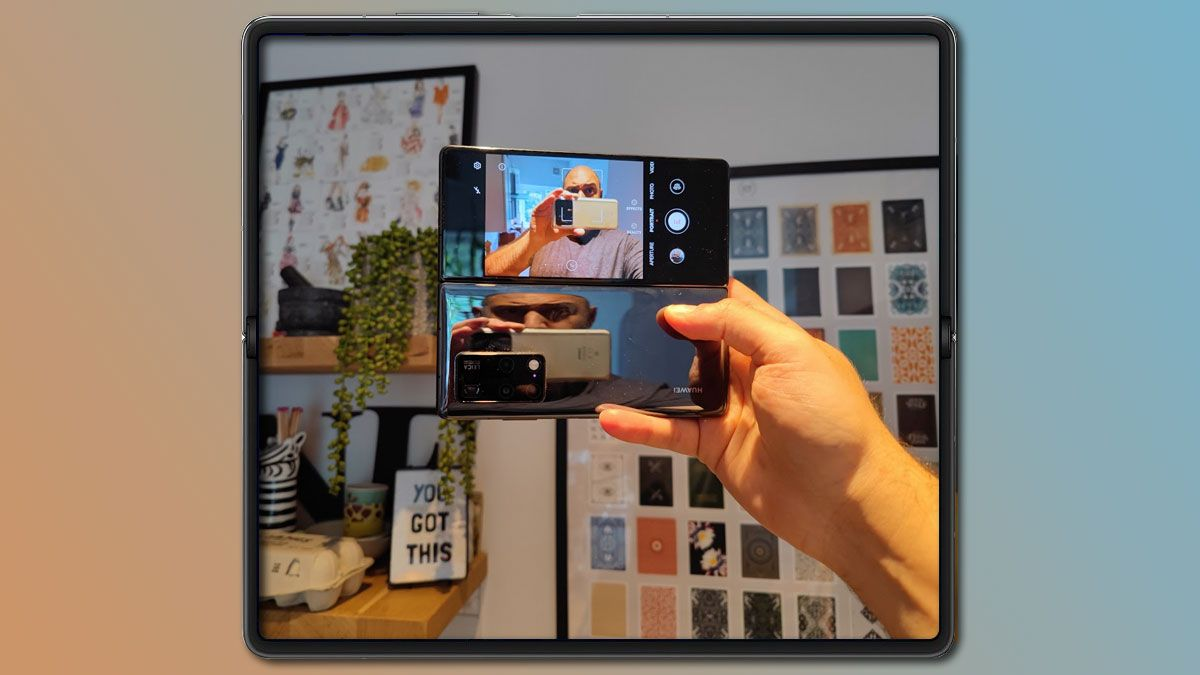 9 of the best things you can do with a foldable phone