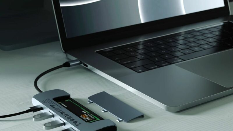 Meet the USB-C hub that can hold your SSD.